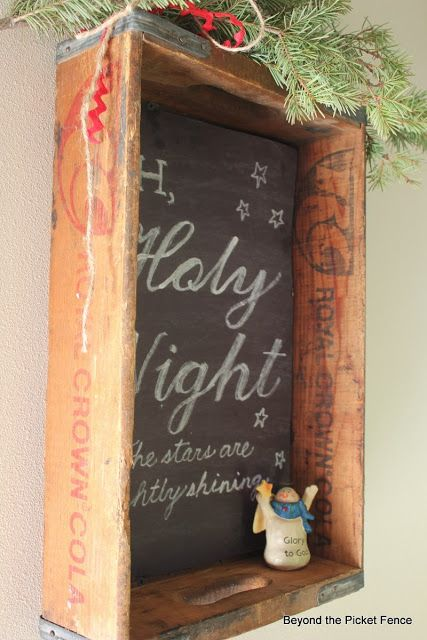 Chalkboard Sign Vintage Holiday Decor Ideas | DIY Vintage Christmas Ideas | Decorations | Handmade Gifts | Crafts