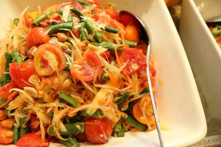 'Som Tam Thai' (Papaya Salad)