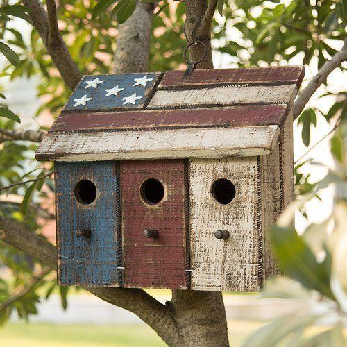 Patriotic Distressed Garden Birdhouse.The birdhous…