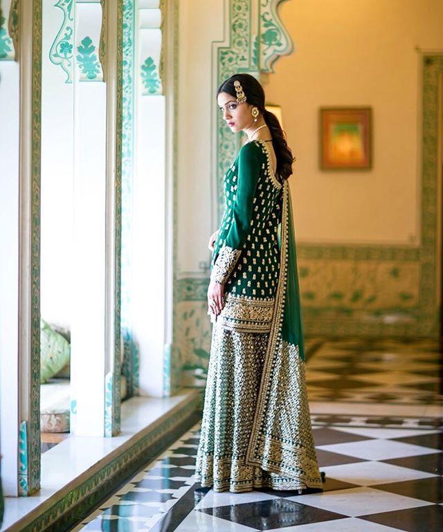 #Sabyasachi #Sharara #TheSabyasachiBride #DreamWeddings Styled by @bridelanindia #BrideLanIndia @bridesofsabyasachi #HandCraftedInIndia #IncredibleIndianWeddings #DestinationWeddings #TheWorldOfSabyasachi Photograph by @shreyasenphotography