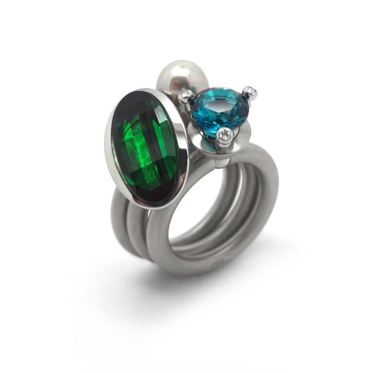 ORRO Contemporary Jewellery Glasgow - Pur Swivel - Emerald Step Ring Set - Steel Swivel Rings made by Hans Herman Lingenbrink at ORRO Jewellery Glasgow