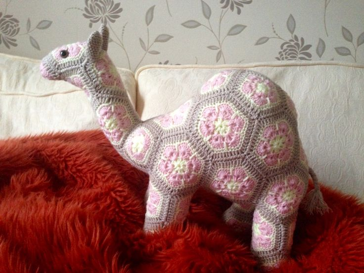 gobi-the-african-flower-camel  Hand made by craftypaulaa,  Pattern by Heidibears.com @ Ravelry.com