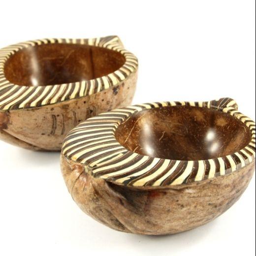 Coconut bowl http://www.etnobazar.pl/search/ca:kuchnia-i-gotowanie?limit=128