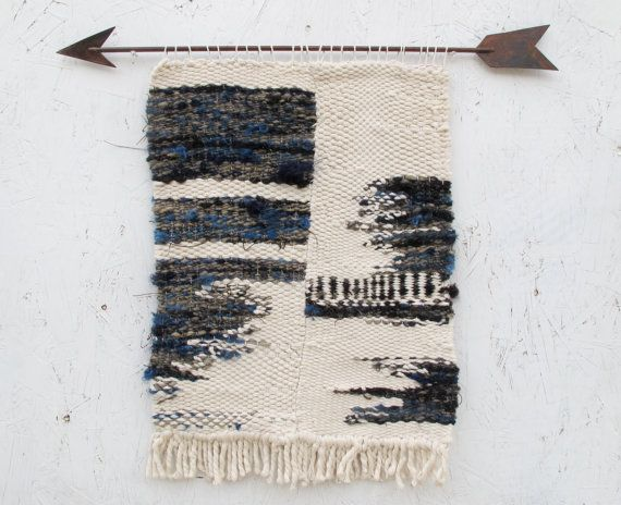 Blue Grey Cotton and Wool Yarn Weaving with Metal Arrow