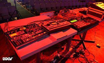 Las armas de Los Loopers listas para la apertura de Pixelations 2012