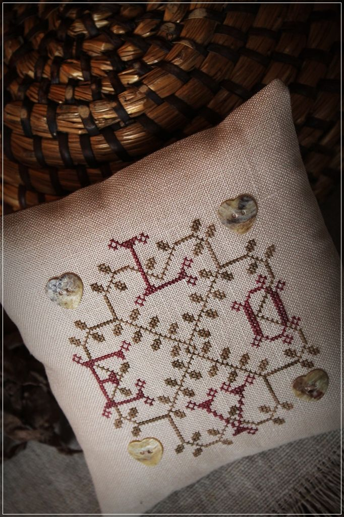 free pattern http://e-subrosa.blogspot.hu/2015/02/love.html