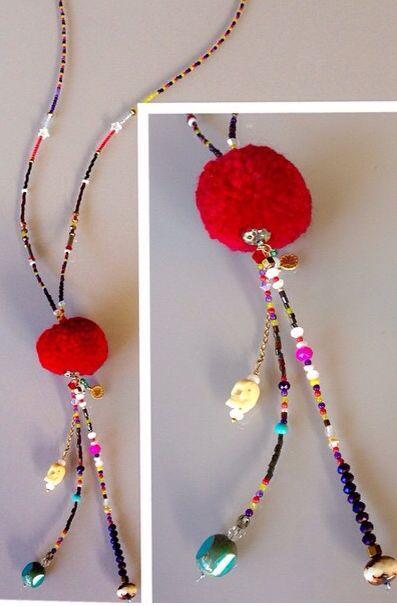 Collar pompón, abalorios  y mini piedras naturales