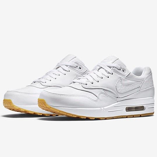 Acercarse alquitrán Lujo  Nike Air Max 1 x Leather White/Gum 'Ostrich' - want these for just £54?  Head ov in 2020 | Nike air max, Nike air, Air max
