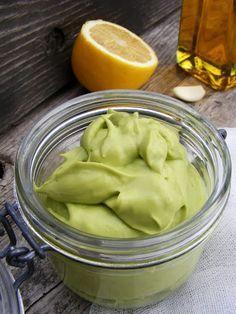 ízletes avokádókrém - Hozzávalók (20 dkg avokádókrémhez) 1 db érett avokádó 70 g hidegen sajtolt repceolaj 1 gerezd fokhagyma 1 ek friss citromlé só