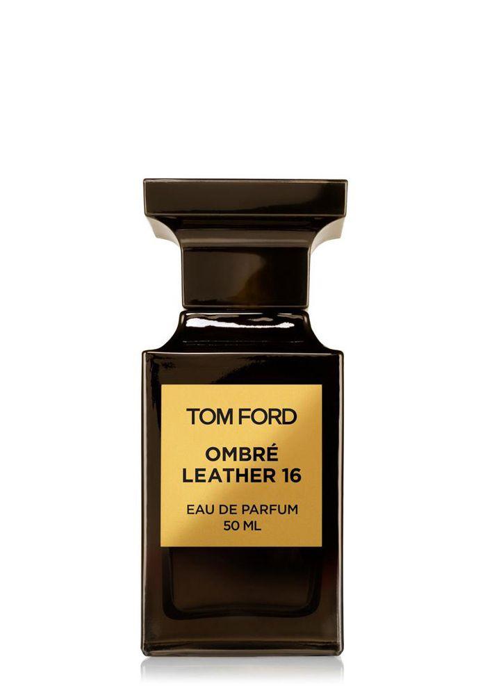 Цветочный кожаный. Текстурный, холеный, обволакивающий. Впервые Том Форд выпускает аромат в коллекции Private Blend, вдохновленный самой коллекцией одежды. Ombre Leather 16 раскрывает нам всю суть сезона осень/зима 16 особенным ольфактивным образом. Передавая текстуру самой дорогой тонкой кожи, Ombre Leather 16 словно позволяет прикоснуться к ней, раскрывая утонченное сочетание контрастов загадочной гладкой черной кожи с гламуром роскоши. Первые ноты листьев фиалки сочетаются с тремя с...