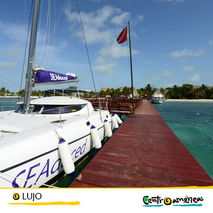 Si te apetece disfrutar de unos días de lujo navegando, puedes alquilar yates, catamaranes o veleros... ¡Visita Centroamérica!