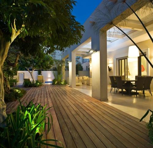 outdoor living spaces: Patio Design, Back Patio, Decks Design, Outdoor Patio, Outdoor Living Spaces, Yaniv Schwartz, Outdoor Spaces, Woods Decks, Tel Aviv