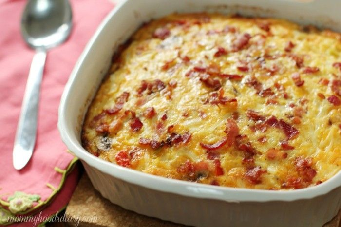 Egg, Bacon and Potato Breakfast Bake – This easy  breakfast casserole is overflowing with  eggs, cheese, bacon, votable  and hash browns. And it can be easily made the night before too! http://mommyhoodsdiary.com