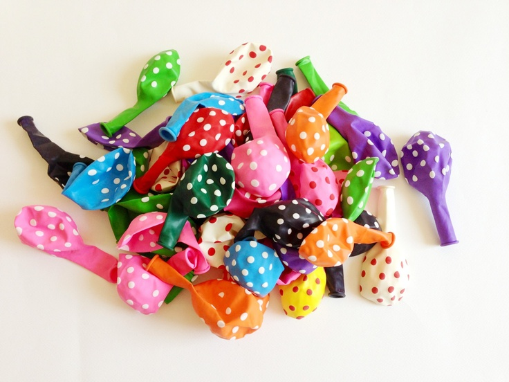 6 Palloncini colorati a pois / 6 Balloons various colors with Polka Dots. €4,75, via Etsy.