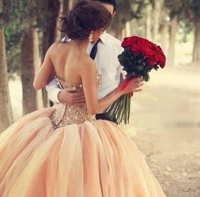 wiązanka ślubna: duży bukiet czerwonych róż