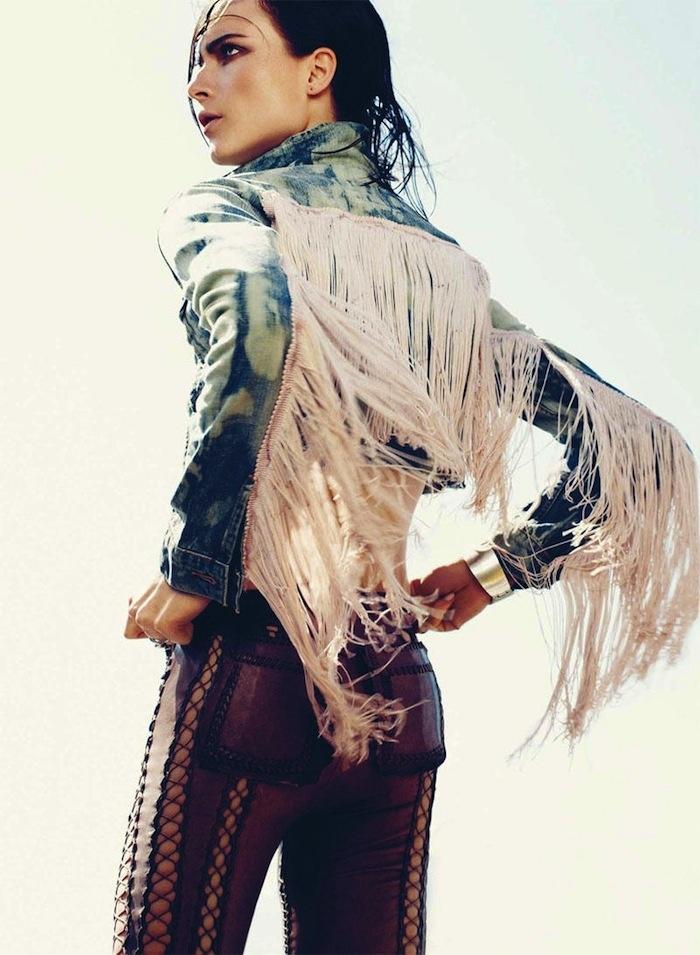 franjas: Models, Burning Man, Rocks Stars, Harpers Bazaars, Denim Jackets, Cool Ideas, Fringes, The Rich, Editorial Fashion