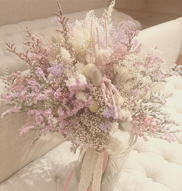 bouquet ¥25,000 #オーダーメイド#bouquet#ブーケ#wedding#ウェディングブーケ#ナチュラル#アンティーク#無造作#クラッチブーケ#可愛い#love#ドライフラワー#プリザーブドフラワー#インテリア#手作り#diy#