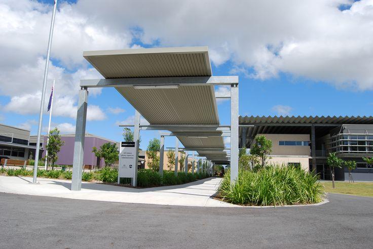 School walkway utilising a Ritek Roof System.