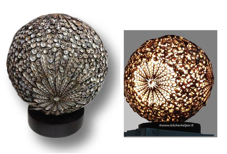 #Lampada con #conchiglie nere. Ottima per creare l'atmosfera in #partyestivi o a tema #mare e #cene. Fatta a mano.