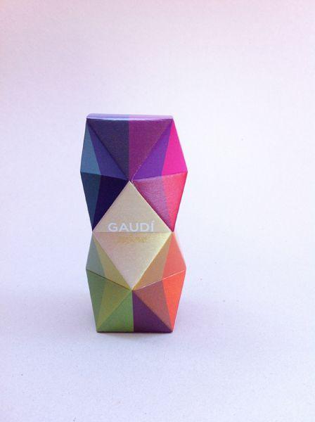 Packaging para un perfume ficticio inspirado en la geometría y colores de Gaudí