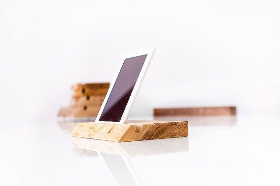 Tablethalter und Handyhalter aus Holz VIGOR von VIGORDesigns