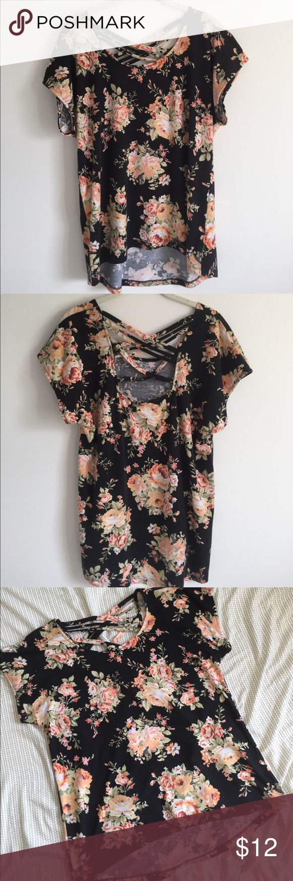 BOBEAU floral strappy top BOBEAU floral strappy high low top! Super cute :) great condition, but has been worn. 95% polyester, 5% spandex. Size M. Bust: 17in Length:  26in 🌻OFFERS WELCOME🌻 bobeau Tops Tees - Short Sleeve
