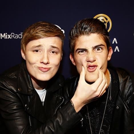 Isac Elliot and Robin Packalen!!!!!