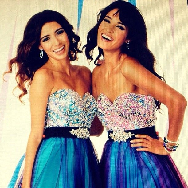 Moriah Peters with her sister Bianca Peters