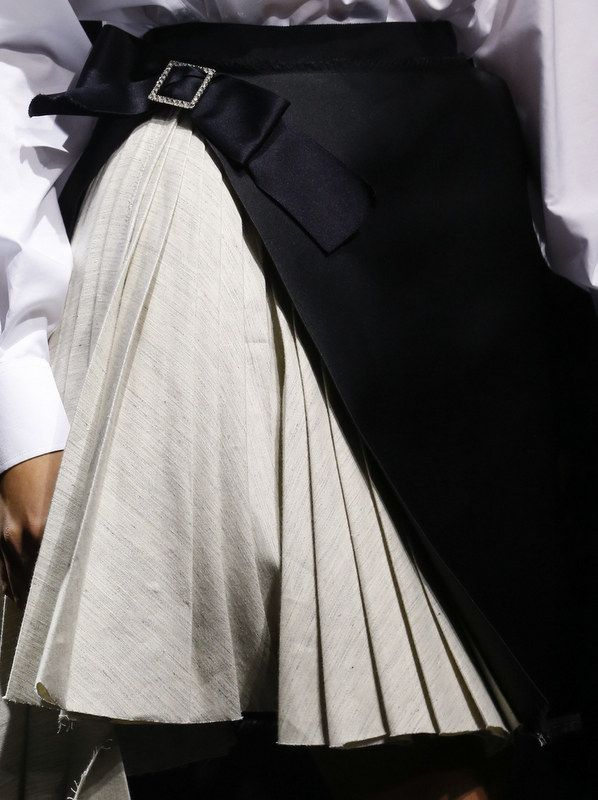 Layered skirt with pleats & graphic asymmetry; fashion details // Lanvin Spring 2016