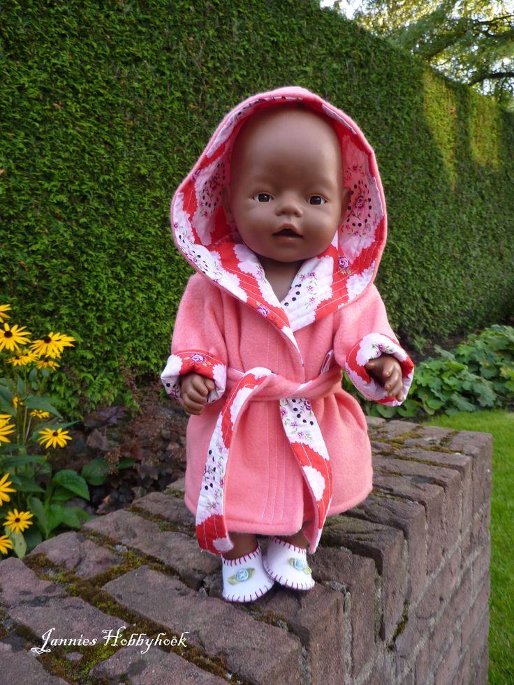 Badjas voor Baby Born 43 cm. patroon oude Libelle