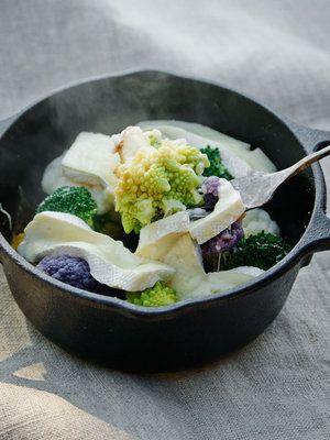 【ELLE a table】ブロッコリーとカリフラワーのチーズグラタンレシピ|エル・オンライン