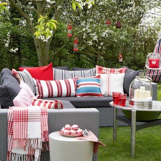 3-ideas-for-garden-outdoor-rooms-Create-an-outdoor-living-room.jpg (550×550)