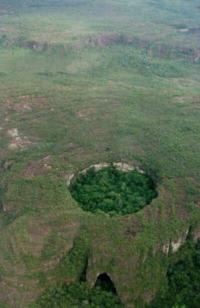 Sierra del Chiribiquete en la Amazonia Colombiana entre Caquetá y Guaviare.