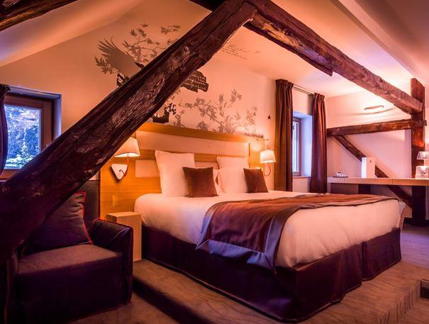 Surmatelas synthétique Dumas dans la chambre deluxe du Grand Aigle Hotel & Spa de Serre Chevalier   France  #France #SerreChevalier #Montagne #Moutain #Alpes #Alps #Hotel #Chambre #Bedroom