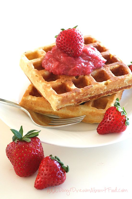 Vanilla Cake Waffles with Strawberry Rhubarb SauceSauces Recipe, Strawberries Rhubarb, Rhubarb Sauces, Food Breakfast, Waffles Recipe, Vanilla Waffles, Vanilla Cake, Belgian Waffles, Cake Waffles