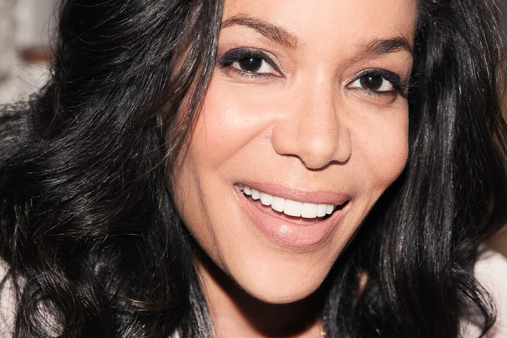 CNN's Sunny Hostin on the primer & concealer that gets her through 16 hours days on the road.