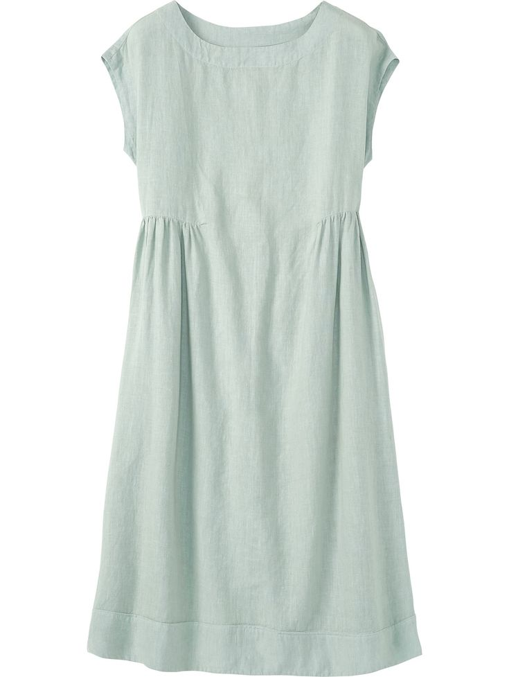 Softly shaped midi dress with grown-on cap sleeves in a supple, washed, garment-dyed linen. Softly scooped neckline. Darts below bust with gentle gathers.
