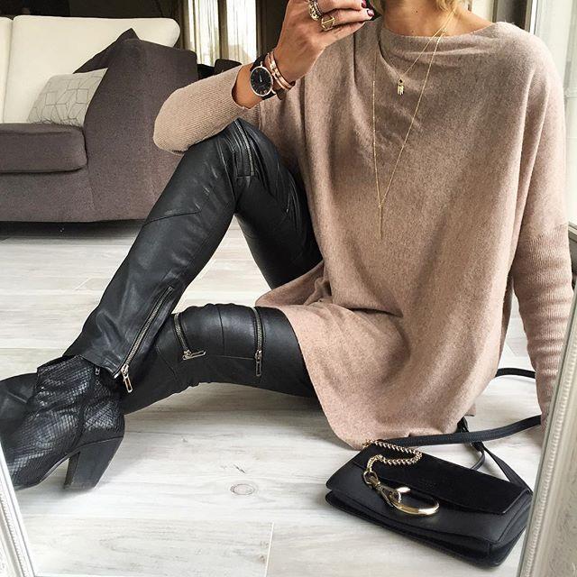 Today's #ootd #outfit #lookoftheday #todayimwearing #totallook Pull#primark Cuir#costumenational Boots#minelli Sac#chloe #chloefaye #faye Bijoux#lesfeesmere #myabay #kaptenandson #dinhvan  #fwis #igers #igstyle #igfashion #fashionista #fashionstyle #stylish #stylepost #styleoftheday #streetlook #streetstyle