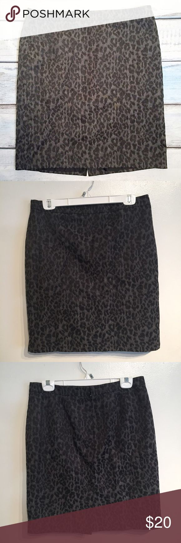 "Ann Taylor LOFT Neutral Animal Print Skirt Ann Taylor LOFT black and grey leopard print skirt. Size 10. Can be dressed up for the office or down for a night out. Measures 16"" flat at the waist and 21"" long. No modeling. Smoke free home. I do discount bundles. LOFT Skirts Pencil"