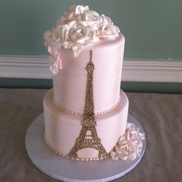 Take your guests on a trip to the city of romance with a Paris themed Quince Cake!