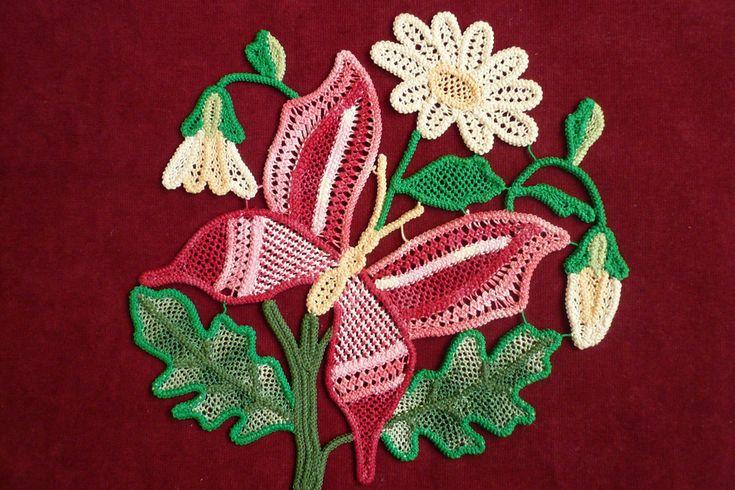 Romanian Point Lace Crochet butterfly & flowers