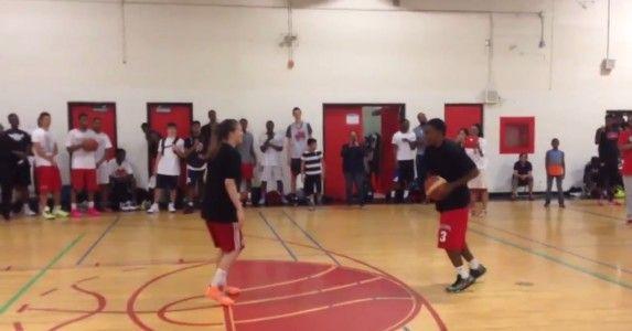 【動画】バスケットボールの練習中に突然転倒、突然プロポーズ。