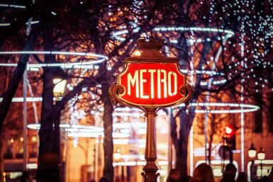 Where to Head for Holiday Lights and Decorations in Paris: 2015 Guide: Christmas in Paris is always festive and fun.