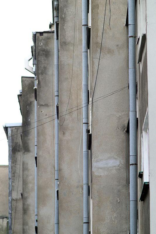 Drain pipes at the back of Mister of Wroclaw (PL) 1962, Miastoprojekt Wrocław - W. Czerechowski, R. Natusiewicz, A., J. Tarnawscy (foto Leszek Golubiński via flickr)