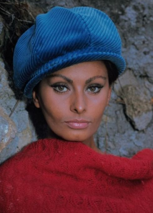 Sophia Loren Nude – Hottest Italian Actress of All Time (33 PICS)