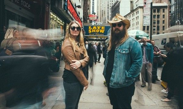 """Chris Stapleton and Wife Morgane Blow Everyone Away (Again) With Smoldering """"Fire Away"""" Performance"""