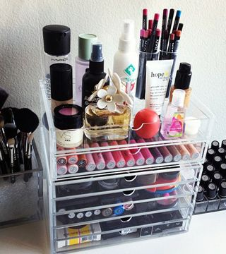 15 Beauty Organization Ideas From Pinterest - Daily Makeover: Make Up, Organizations Ideas, Bathroom Organizations, Makeup Storage, Storage Shelves, Vanities, Drawers, Makeup Organizations, Beautiful Products