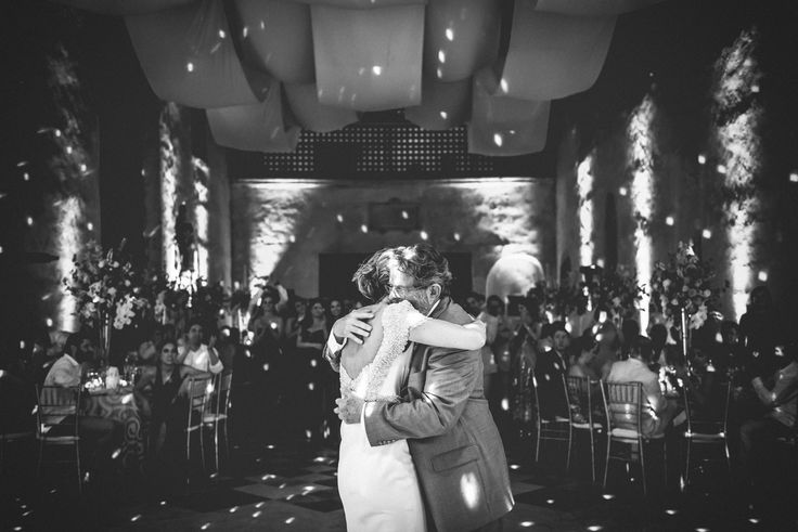 Nico Fernández © efeunodos, Fotografía de matrimonios-bodas / fotografía bodas Colombia/ fotógrafos de matrimonio Colombia www.efeunodos.com Cartagena, Medellín, Bogotá, Cali. Wedding photojournalism in Colombia. www.facebook.com/efeunodos