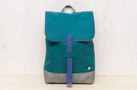 Backpack pine tree