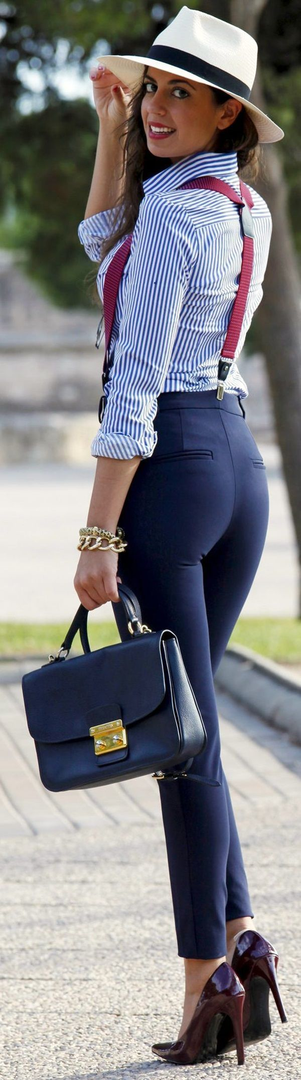COMBINE THE SUSPENDERS WITH YOUR BUSINESS ATTIRE TO ACHIEVE THAT BOSSY LOOK ||| How to wear Suspenders in Style